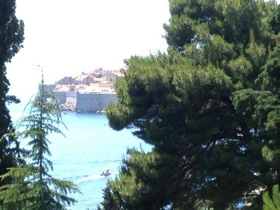 Sea View Apartments : dalla terrazza, vista sulla città vecchia