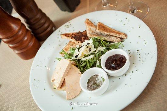 assiette de foie gras sur toasts picture of la tomate italienne paris tripadvisor. Black Bedroom Furniture Sets. Home Design Ideas