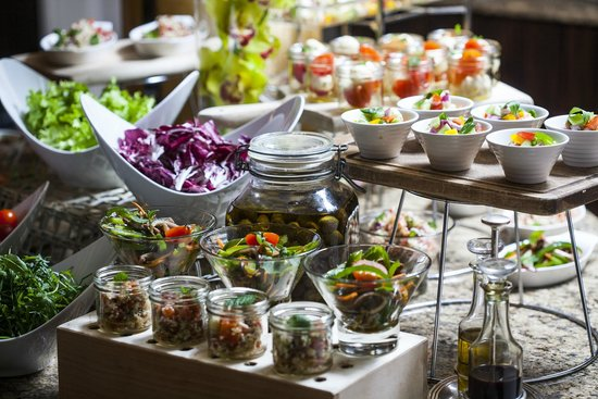 Sunday Brunch In Zinfandel S With A Choice Of Croatian Dishes Picture Of Esplanade Zagreb Hotel Tripadvisor