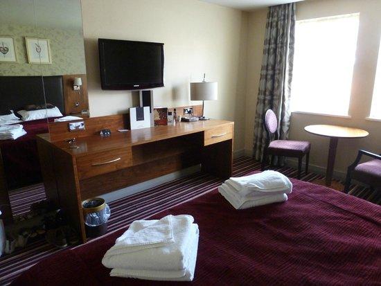 Hallmark Hotel Gloucester: bedroom