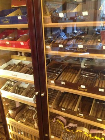 Graycliff Hotel : CIGARI