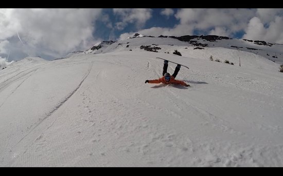 Real Snowboarding: We fall, like everyone learning and having fun!