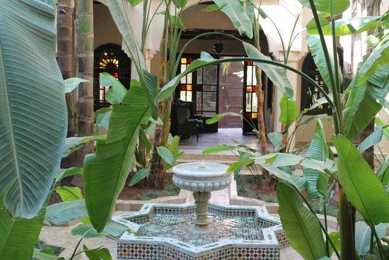 Al Fassia Aguedal: Hotel entrance