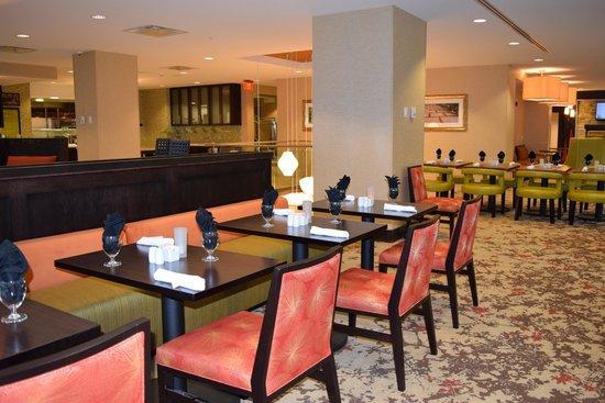 Garden Grille And Bar Restaurant Picture Of Hilton Garden Inn Buffalo Downtown Buffalo