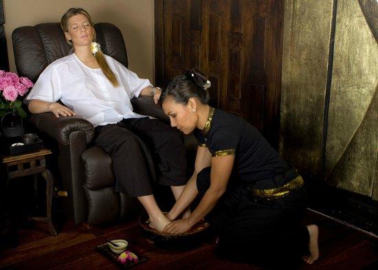 asian paradise picture of ban thai spa paris tripadvisor. Black Bedroom Furniture Sets. Home Design Ideas