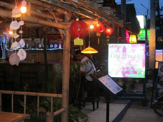 調理場の雰囲気 - Picture of may\'s kitchen, Ko Lanta - TripAdvisor