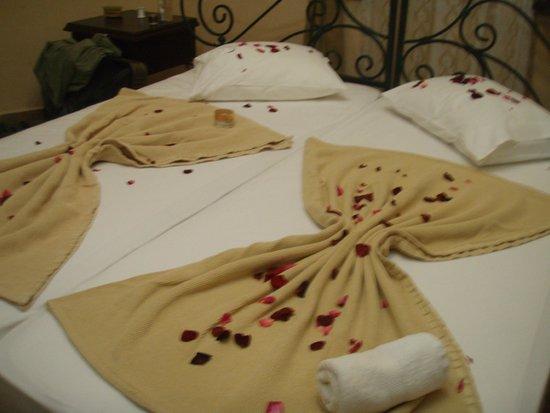 Anatolia Resort Hotel: Das liebevoll bereitete Bett
