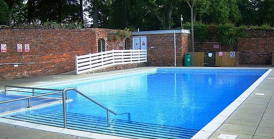 Coed helen holiday park updated 2017 campground reviews caernarfon wales tripadvisor for North wales hotels with swimming pools