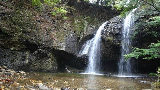 Tsukimachi Waterfall
