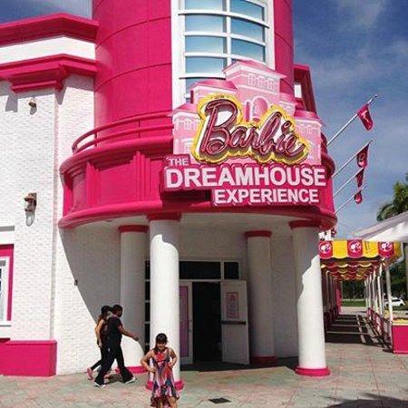 Casa dos sonhos da barbie foto de barbie dream house for Hotel barbie