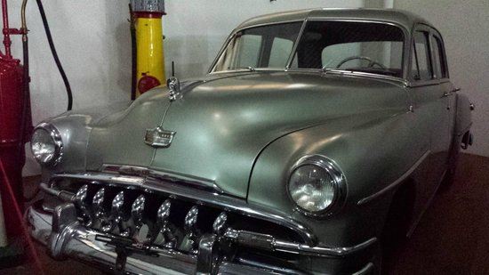 Bebedouro, SP: De Soto Custom 1951