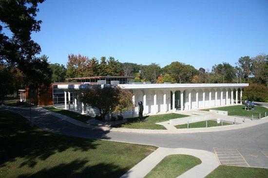 Cedarhurst Center for the Arts