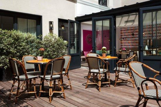 Hotel Vic Eiffel: Terrasse