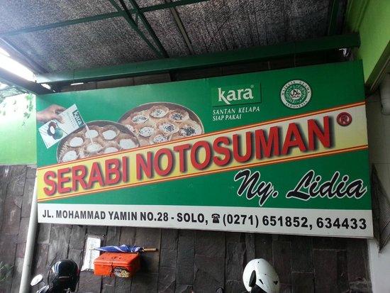 Serabi Notosuman Ny. Lidia: Toko