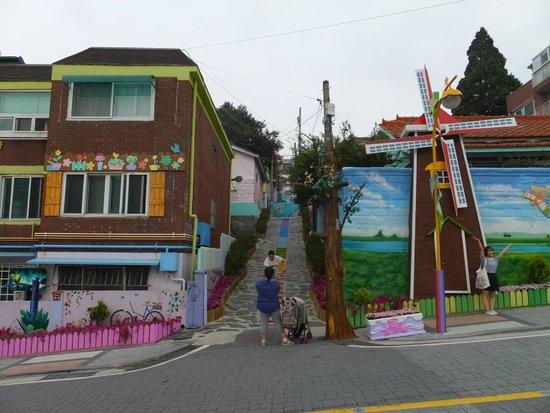Songwol-dong Fairytale Village, みんな写真撮りまくりです