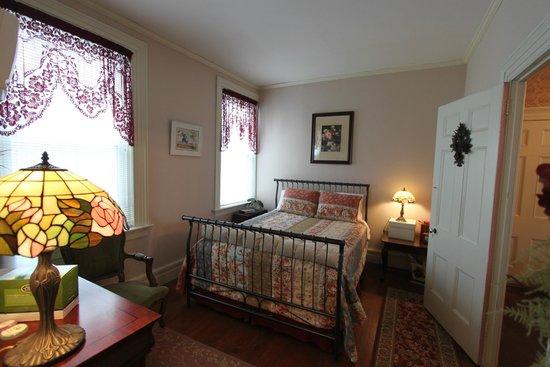 Pennellville, NY: Onondaga Creek Room