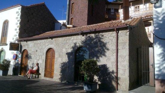 Hotel Rural Fonda de la Tea: Ansicht von der Strasse aus