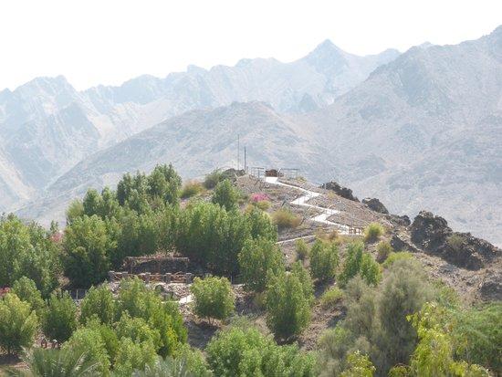 JA Hatta Fort Hotel : Aussichtspunkt mit gutem Überblick auf die Hotelanlage