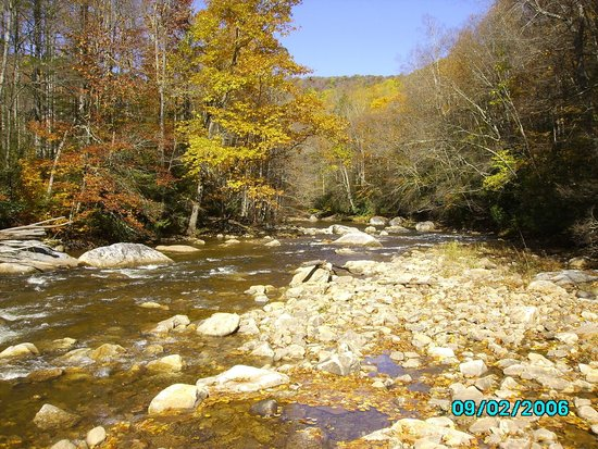 West Virginia: Fall Beauty on the Cranberry River