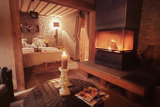 Suite romantique foto di le spa des delices caille tripadvisor for Chambre romantique paca