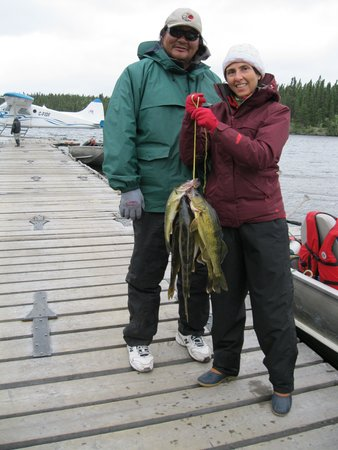 Lynn Lake, Canadá: Fish caught for shore lunch