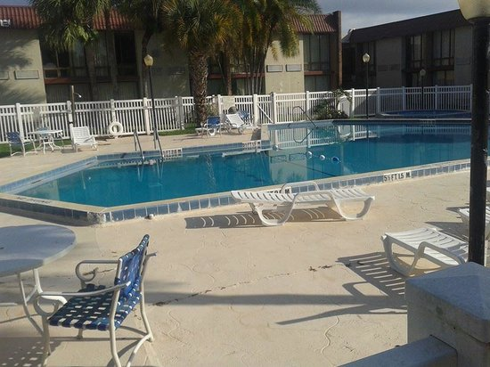 ANice Inn Hotel & Suites: PISCINA DO HOTEL