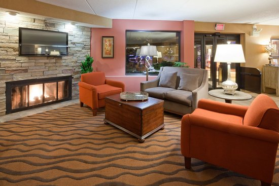 AmericInn Hotel & Suites Bloomington West: Lobby