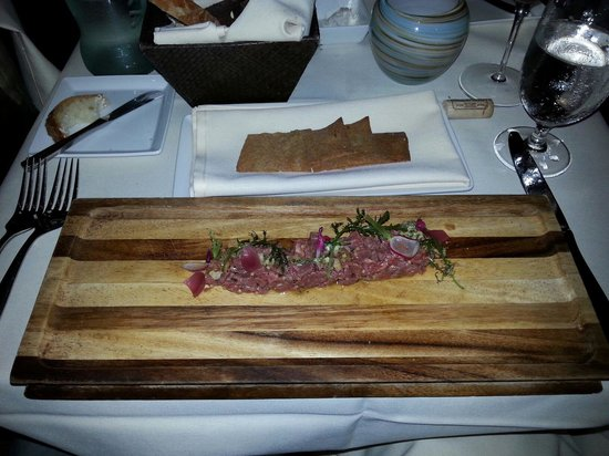 NINE-TEN Restaurant & Bar : Beef tartare