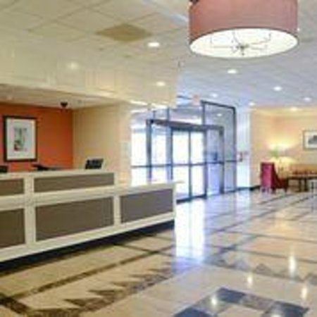 Charleston Airport Hotel: Guest Service
