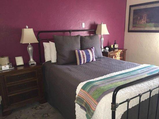 Hotel Sutter: Room 206