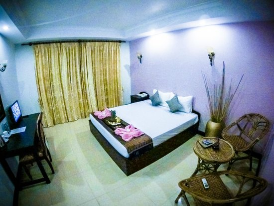 Angkor Orchid Central Hotel: Spacious and Clean Room