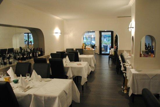 La lampada d sseldorf carlstadt restaurant for Lampada ristorante