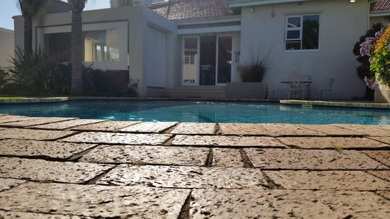 First Avenue Guesthouse : Pool