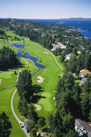 Fairwinds Golf Club: Aerial view of hole 18