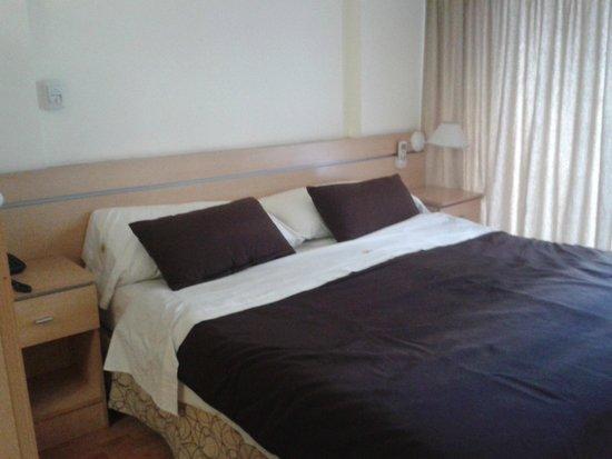 Callao Suites: Cama de casal
