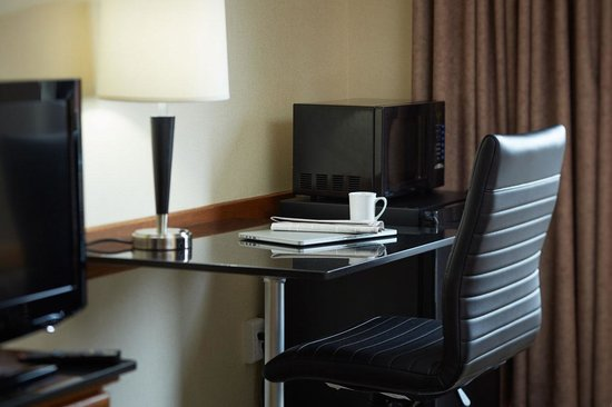 Comfort Inn: Working desk