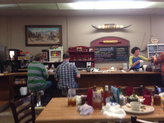 Powderhorn Cafe: Very Casual and Popular Place