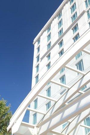 Hilton Providence: Hotel front