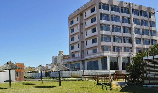 Hotel Golf Internacional: hotel desde la playa