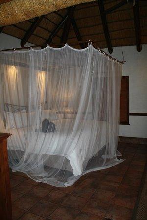 Thornybush Waterside Lodge: chambre