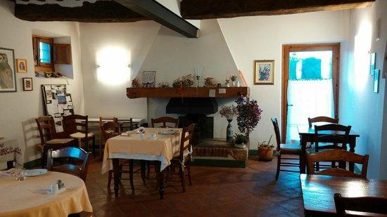 La sala ristorante - Foto di Soggiorno Taverna Celsa, Sovicille ...
