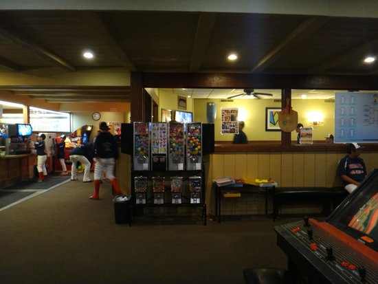 Round Table Pizza. - Picture of Round Table Pizza, San Diego ...