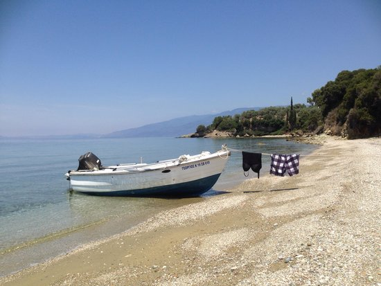 Pounda Paou: Just park on the beach and go for lunch