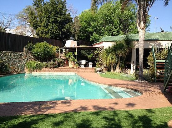 Claires of Sandton: Pool
