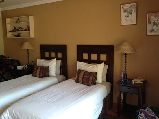 Claires of Sandton: Inside room