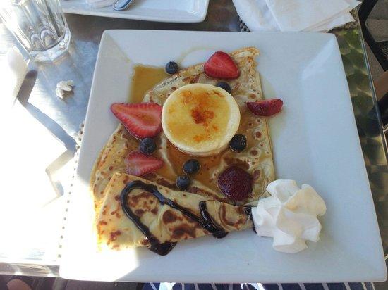 Geneva Crepe Cafe & Bistro : Creme Brule sweet crepe