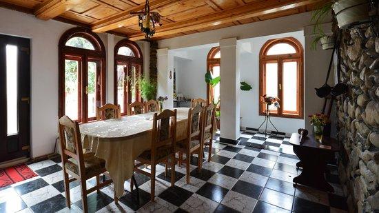 Pension Casa Aurora: salon 1