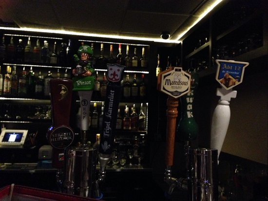 The Globe - Belgian GastroPub: The initial view of the tap heads that caught my attention. Some hard to find beers.