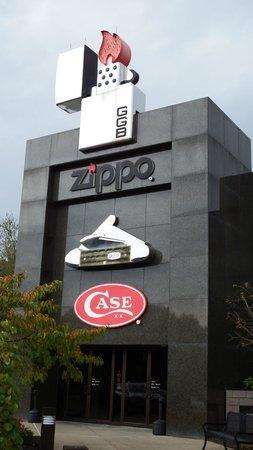 Zippo / Case Museum: Zippo/Case Museum Entrance