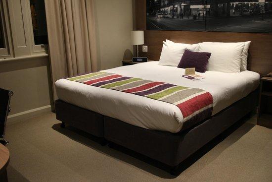 Mercure Grosvenor Hotel : ベッドルーム